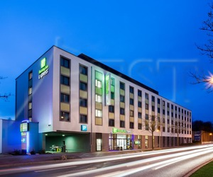 Poze Holiday Inn Express Augsburg 3* 3* imagini Holiday Inn Express Augsburg 3* 3* cazare Holiday Inn Express Augsburg 3* 3* informatii Holiday Inn Express Augsburg 3* 3*